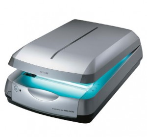 8Solid and Sleek Epson 4990 Scanner